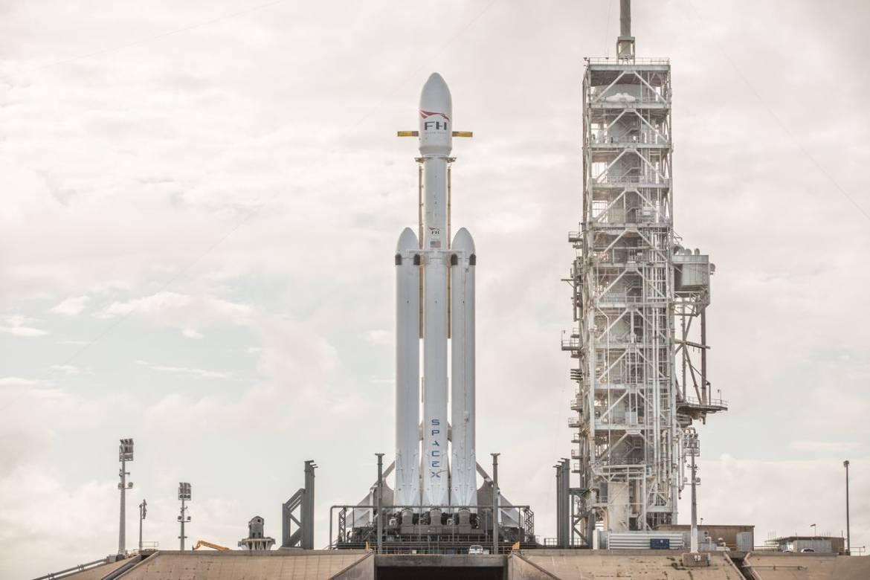 Başarı ile Fırlatılan Falcon Heavy ve Mars'a Giden Kırmızı Arabanın Hikayesi